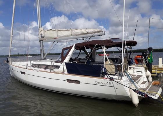 /barcos/beneteau-oceanis-45-2012/
