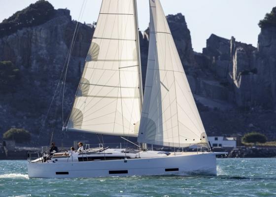 /barcos/dufour-grandlarge-390/